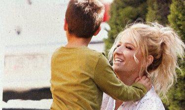 Φαίη Σκορδά: Ευτυχισμένες στιγμές με τον γιο της λίγο πριν τον χαμό του πεθερού της