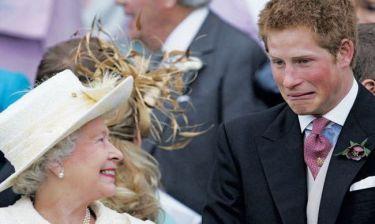Ο πρίγκιπας Χάρι βλέπει τη βασίλισσα Ελισάβετ σαν αφεντικό και παρά ως γιαγιά