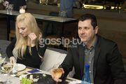 Παρουσιάστρια στην ελληνική tv για σούσι με τον σύντροφό της!