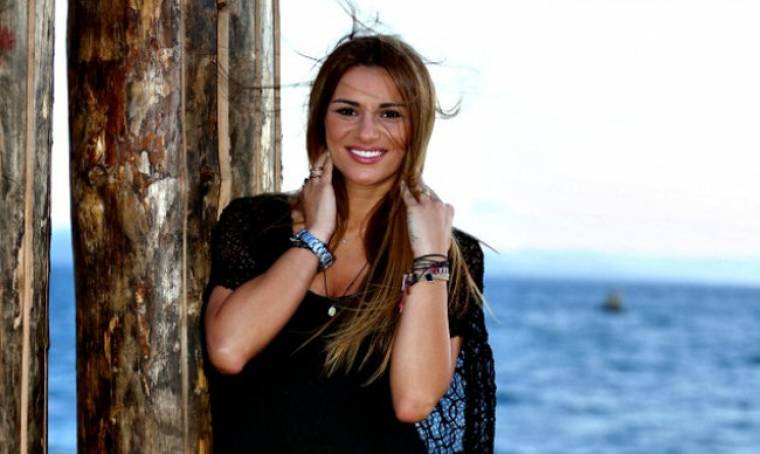 Το διπλό μυστικό της Τσολάκη: Ο αγαπημένος της, της έκανε δώρο δαχτυλίδι και γνώρισε τους δικούς της