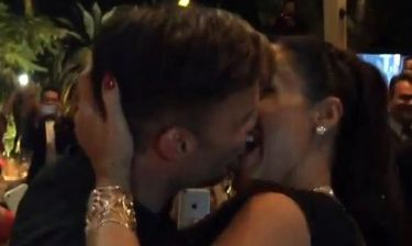 Έδωσε 63.400 λίρες για να φιλήσει γνωστό τραγουδιστή