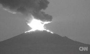 Έκρηξη ηφαιστείου στο Μεξικό σκορπά τον πανικό