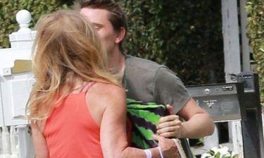 Mα τι κάνουν; Το διάσημο φιλί που προκάλεσε απορία σε όλο το Hollywood