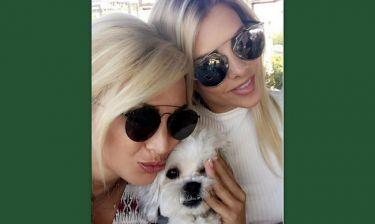 Κωνσταντίνα Σπυροπούλου: Κυριακάτικο καφεδάκι με τη φίλη της