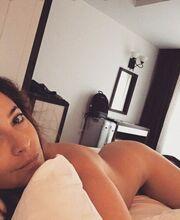 Πόζαρε ολόγυμνη στο κρεβάτι της και… «έριξε» το instagram