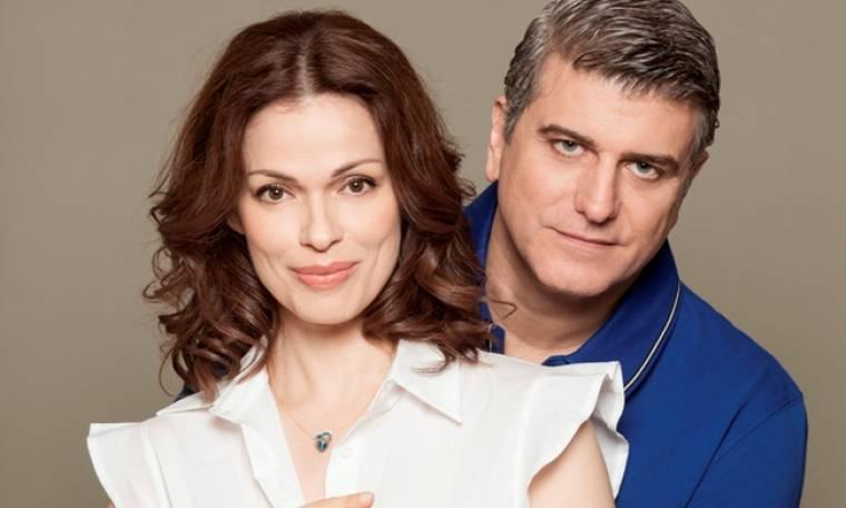 Μουρμούρα: Ο Ηλίας υποθέτει πως η Μαρίνα προσπαθεί να του υπενθυμίσει την επέτειό τους