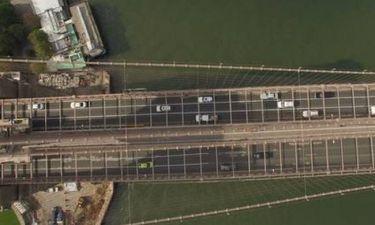 Άνδρας πήδηξε από τη γέφυρα του Μπρούκλιν και επέζησε