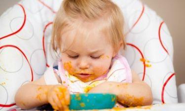Οσα πρέπει να γνωρίζετε όταν ξεκινάτε να ταΐζετε το μωρό με το κουταλάκι