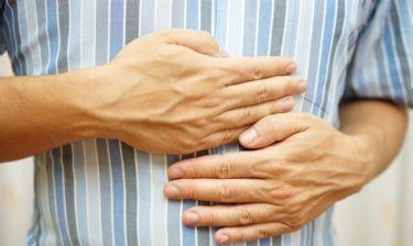 Δυσπεψία και καούρες: Απαλλαγείτε φυσικά με αυτά τα ροφήματα
