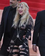 Σάλος με την Madonna! Έκανε στοματικό έρωτα σε… δάχτυλο!