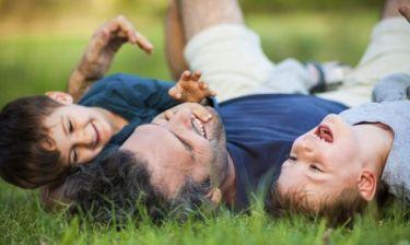 Τι να πείτε στο παιδί όταν ο πατέρας λείπει πολλές ώρες από το σπίτι