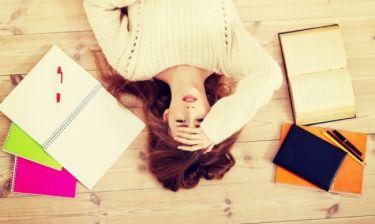 Πανελλήνιες: Μια δύσκολη περίοδος για τον αυτοκαταστροφικό έφηβο