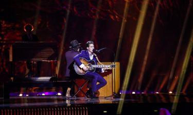 Eurovision 2016: Ολλανδία: Η κιθάρα και τα κόλπα στη σκηνή