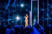 Eurovision 2016: Αλβανία: Με ολόχρυση εντυπωσιακή τουαλέτα η Eneda Tarifa