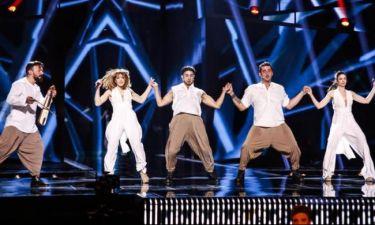 Ουπς! Έλληνας τραγουδιστής ευχήθηκε «Καλή επιτυχία» στην Ελλάδα στον τελικό της Eurovision