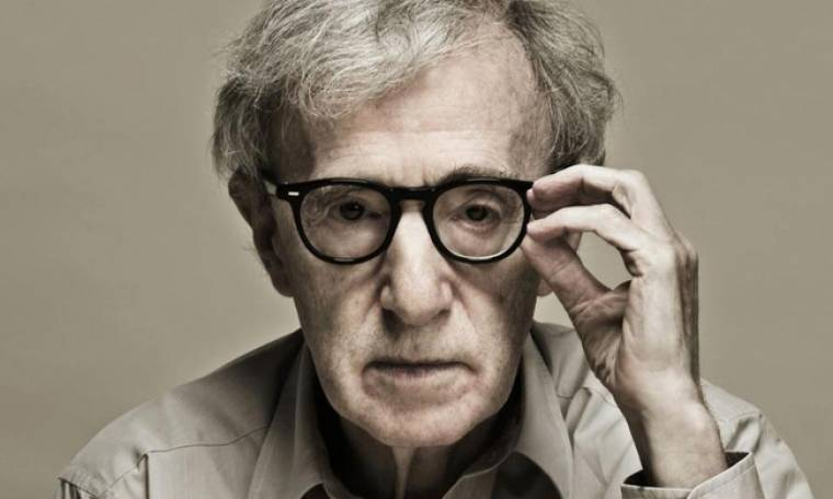 Woody Allen: «Είμαι 80 και αισθάνομαι νέος, φοράω και ακουστικό δεν ακούω»