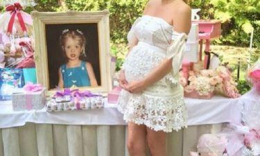 Δείτε φωτογραφίες από το baby shower της διάσημης μαμάς!