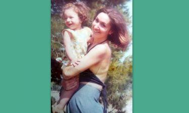 Μαμά και κόρη μερικά χρόνια πριν-Τις αναγνωρίζετε;