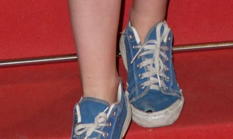Γιατί και οι Κάννες θέλουν το τρύπιο πάνινο παπούτσι τους