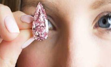Ένα διαμαντένιο ροζ δάκρυ αξίας 31 εκατ.δολαρίων!