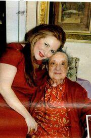 Ροζίτα Σώκου: Υποδέχτηκε τους φίλους της στη γιορτή της