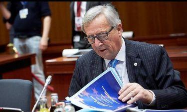 Γιούνκερ: Πρέπει να επιστρέψουμε στους Έλληνες την αξιοπρέπειά τους