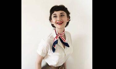 Η 17χρονη που έκανε το Instagram να λυγίσει με τις ρετρό μεταμορφώσεις της