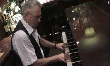 Ο εθνικός ύμνος στη μουσική του «νύχτωσε χωρίς φεγγάρι»
