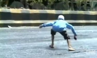 Ινδία: «Το λιώσιμο των... δρόμων!»