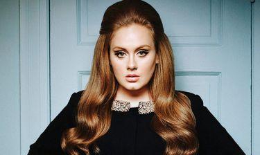 Το ξέσπασμα της Adele οn stage! Tα έβαλε με θαυμάστρια της!