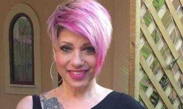Τζούλι Μασίνο: Έβαψε τα μαλλιά της ροζ