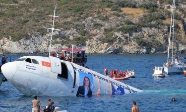 Οι Τούρκοι βύθισαν Airbus στα νερά του Αιγαίου (pics+vid)