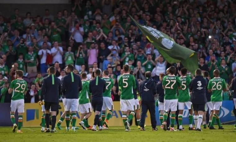 Ο παπαγάλος που ερμηνεύει το ποδοσφαιρικό τραγούδι της Ιρλανδίας (aud & vid)