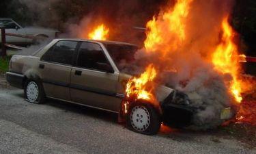 Τι πρέπει να κάνεις όταν το αυτοκίνητο πιάσει φωτιά