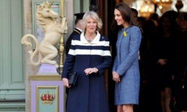 Kate Middleton: Ο απίστευτος υποβιβασμός της από την Camilla Parker και το σαμποτάζ