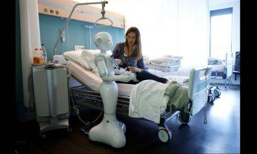 O Pepper και η Zora: Τα ρομπότ που φροντίζουν ασθενείς (pics)