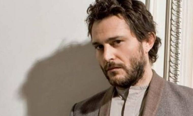 Γιώργος Καραμίχος: Μιλά για το ρόλο του στη σειρά «The Durrells»