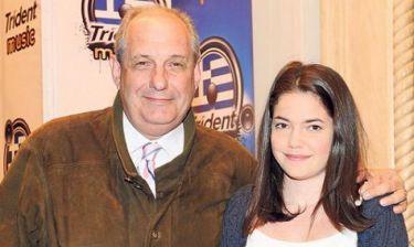 Τέρενς Κουίκ: Πώς του φάνηκε η κόρη του όταν είδε τα επεισόδια της σειράς «Οι συμμαθητές»;