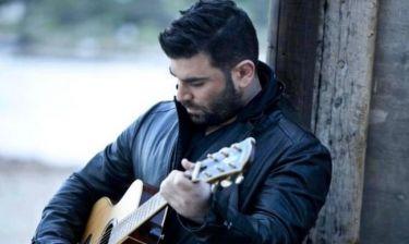 Συγκλονιστικό:Ο Παντελίδης ερμηνεύει με την κιθάρα του το τραγούδι που έγραψε λίγο πριν πεθάνει