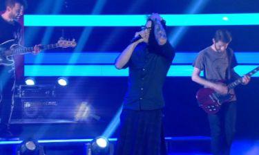 The X Factor: Ημιτελικός: Ιαν Στρατής: Με τη μπάντα του στη σκηνή – Αλώνισε το πλατό και «έσκισε»