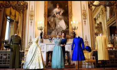 Μια έκθεση αποδεικνύει ότι η Ελισάβετ Β' είναι βασίλισσα του στιλ εδώ και έναν αιώνα
