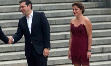 Γιατί όλοι μιλούν για το φόρεμα της Περιστέρας Μπαζιάνα;