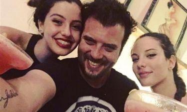 Λάμπης Λιβιεράτος: H βραδινή έξοδος με τις δύο κόρες του