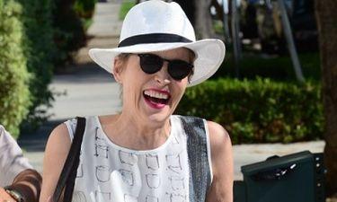 Η Sharon Stone είναι μια θεά!