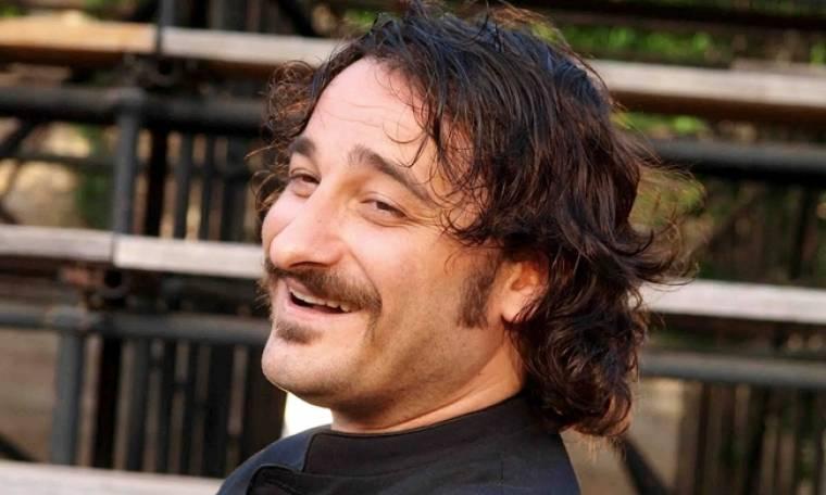 Βασίλης Χαραλαμπόπουλος:  «Δεν σνομπάρω την τηλεόραση. Της οφείλω πολλά»
