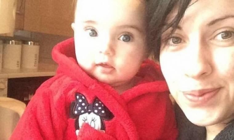 Απίστευτο περιστατικό στην Αγγλία: 23χρονη έτρωγε τα μαλλιά της στον ύπνο της (εικόνες)