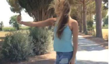 Η μάχη της Shakira για μια… selfie