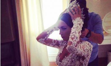 Η Ζέτα απαντά στο κράξιμο για το στέμμα που φόρεσε στον γάμο της…