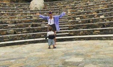 Σύλβια Δεληκούρα: Βόλτες με τον γιο της