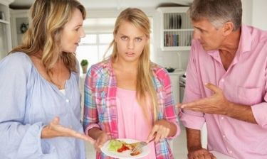 8 απαιτήσεις που έχουν οι γονείς από τα παιδιά τους και δεν είναι ρεαλιστικές
